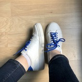 Joon 👟 get the sneakers style ! It's perfect for everyday  .  . . . . #uniformshoes #uniforme #uniform   #witheshoes #blueshoes #sneakers #event #newcollection #style #workoutfits